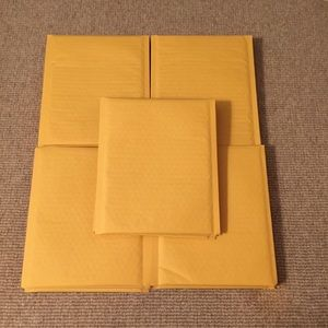 "25 Padded Envelopes, 8.5""x11"""